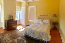 Upstairs Yellow Bedroom with Queen bed