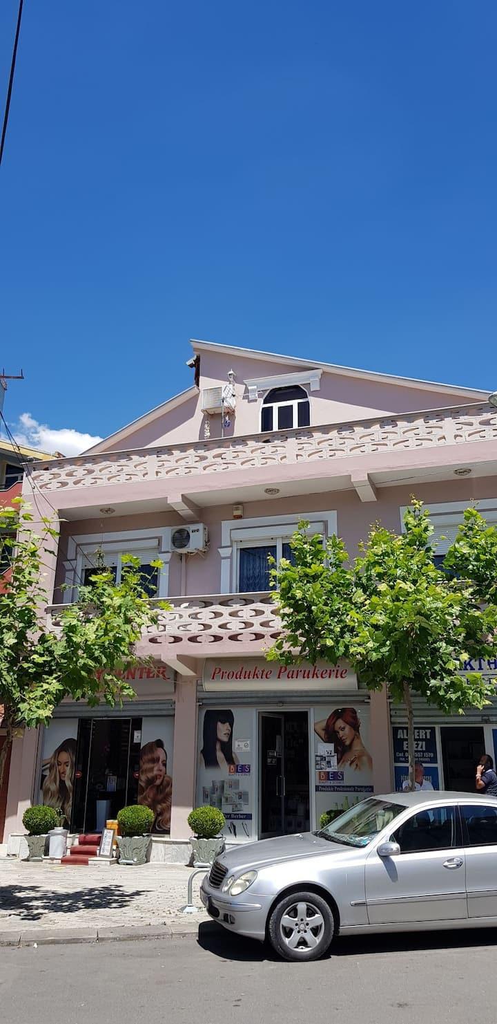 Luxurious Villa in the center of Elbasan (B&B)