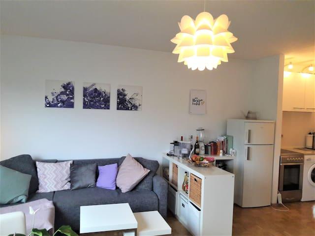 Helle & ruhige 2-Zimmer Wohnung am Westkreuz - Múnich - Apartamento