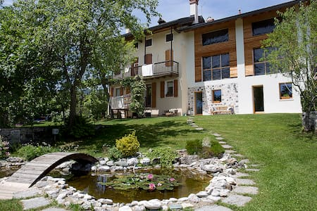 "Alpine country lodge ""L'Altra strada"""