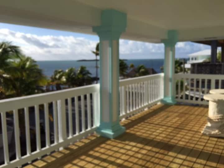 Ocean breeze 3 level key largo beauty.