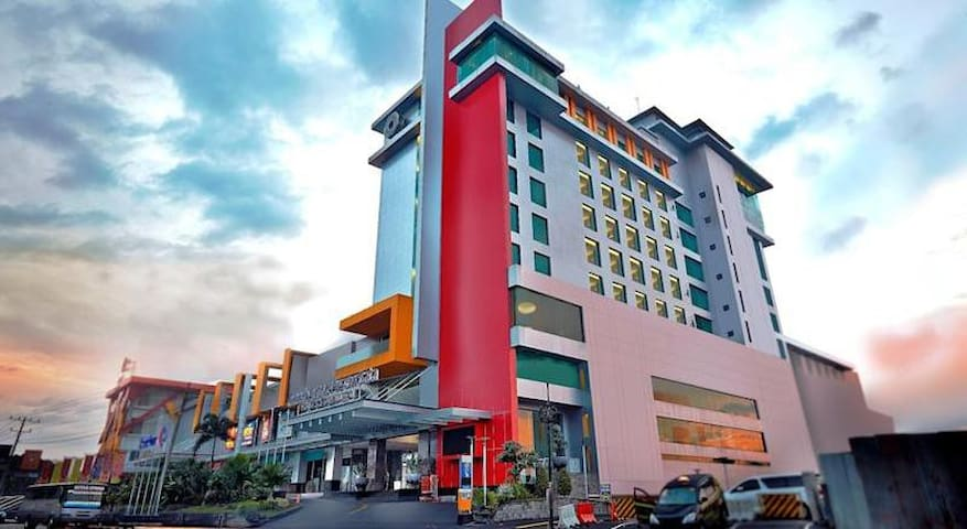 Fancy Room Premier Double Bed At Magelang