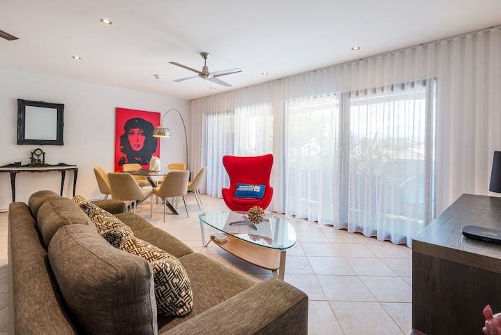 Luxury apartment in the heart of Port Douglas