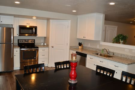 Brand new beautiful, upscale, clean apartment