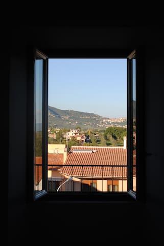 Appartamento in piazza - Rignano Flaminio - อพาร์ทเมนท์