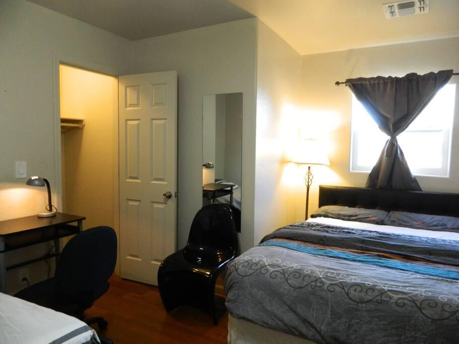 bedroom #1: 2 beds (queen & twin)