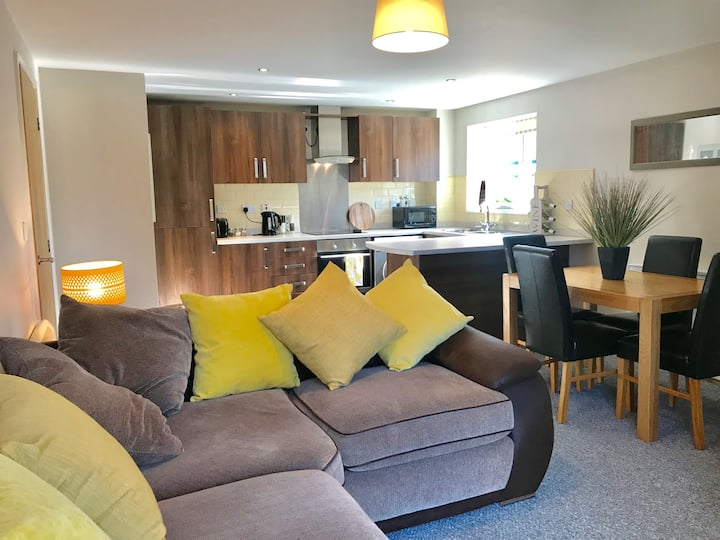 All Yours! - Superb Serviced 1 bed Apartment