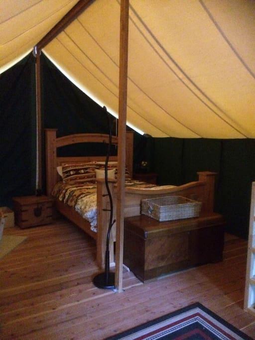 Comfy luxurious queen bed