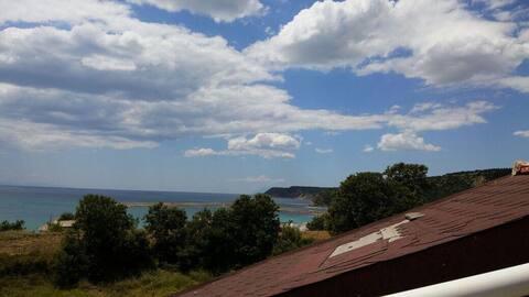 Saros Körfezi'nde Deniz Manzaralı Merkezi Villa