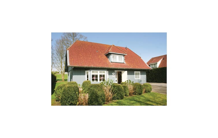 Holiday cottage with 4 bedrooms on 240 m² in Dronten/Ketelhaven