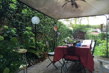 Appartamento indipendente in villa. - Civita Castellana - Villa