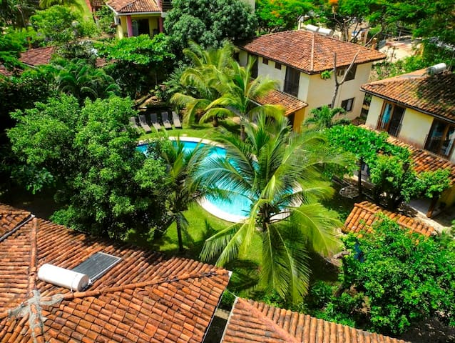Villas Macondo: Cuarto con aire cerca de la playa