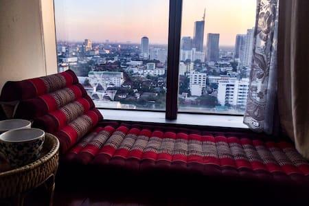 2 BDR 650m to Emporium & BTS Phrom Phong w view - 曼谷 - 公寓