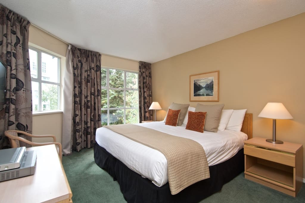 Executive Master bedroom, King size bed