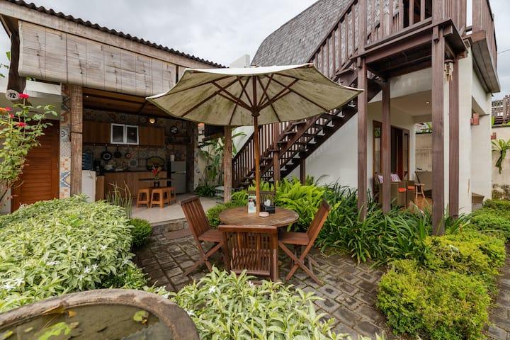 Simply Beautiful Villa Close to Komune Beach Club.