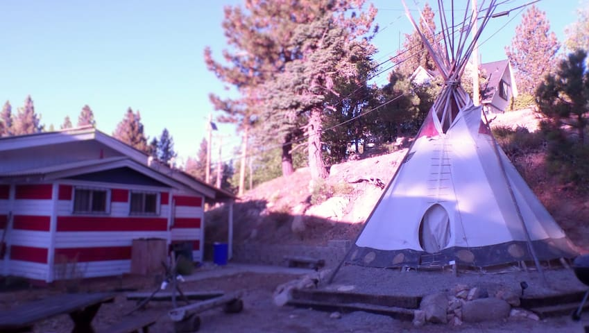 The Chief's Tipi at the Eagle's Courtyard - Green Valley Lake