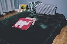 世界之窗地铁站/欢乐谷/华侨城创意园/复古艺术设计/艺术榻榻米大床房