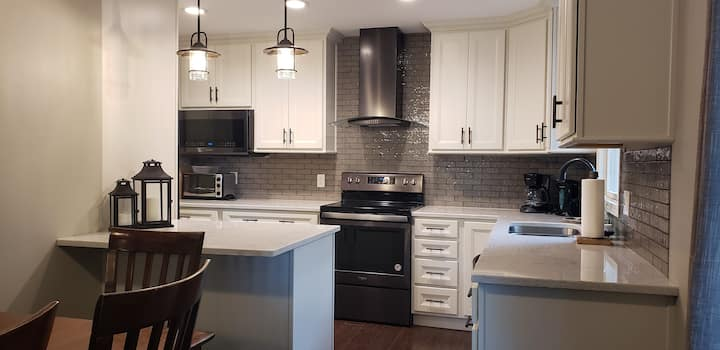 Newly Remodeled Home 10 Minutes From Campus