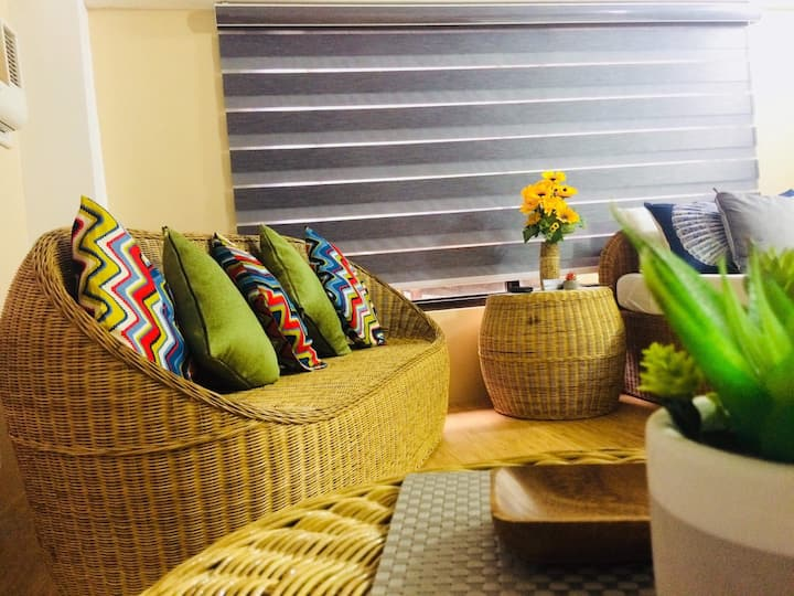 Crystal Bay-comfy room in the heart of Elnido town