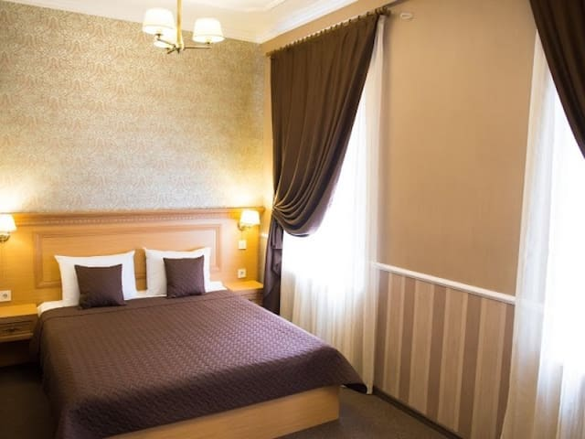 Junior Suite with One Large Bed. Hotel Dvoryanskiy