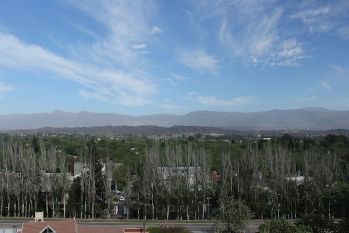 Hermoso departamento, ideal para conocer Mendoza