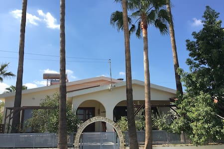 Beautiful house in Alampra with swimming pool - Alampra