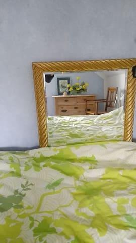 Freundliches Zimmer am Teuto