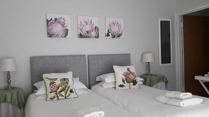 Twin Room (Protea)
