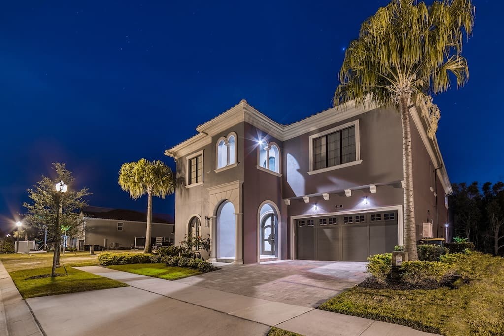 Luxury 8 Bedroom Estate Home Houses For Rent In Kissimmee Florida United States