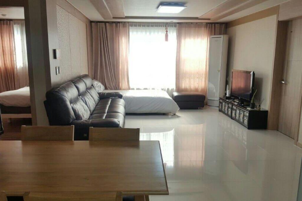 Living Room_photo_2