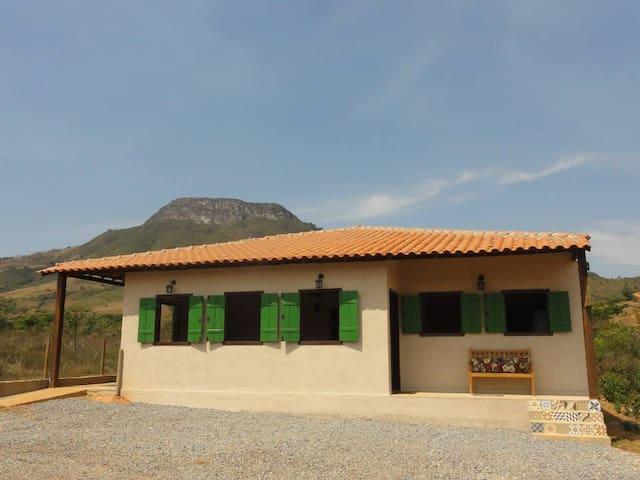 Suítes aconchegantes ao pé da Serra dos Alves MG - Itabira - Casa