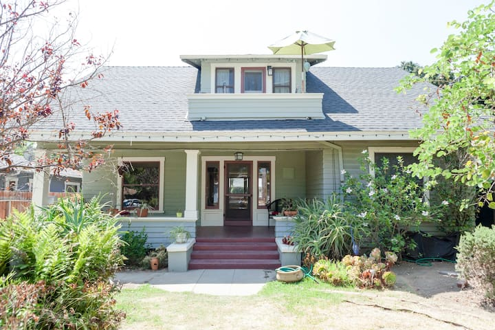 Spacious Private Suite in Historic Bungalow Heaven - Pasadena - Bungalow
