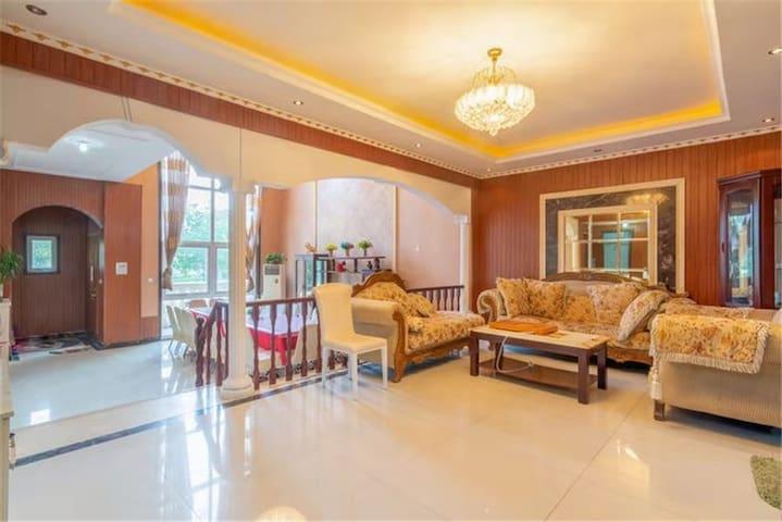 东丽湖娱乐K歌麻将度假聚会7居别墅