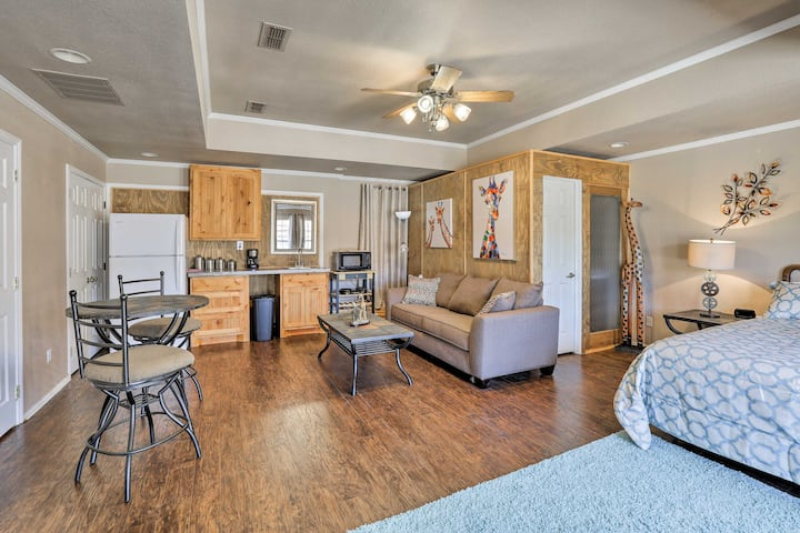 Granbury Studio- 10 Mins From Town+the Lake!