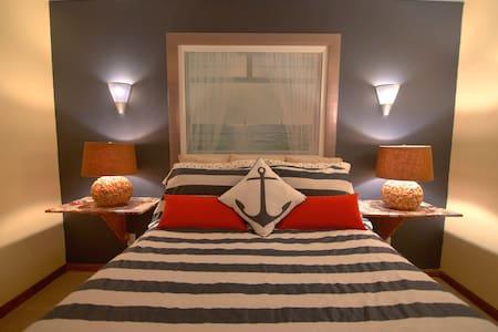 Spacious Basement Apartment - Fredericksburg - Leilighet