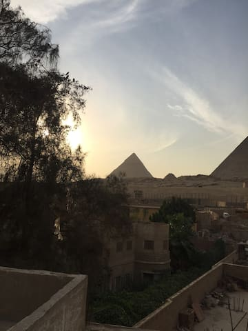 Arabian Nights Pyramids + guide service