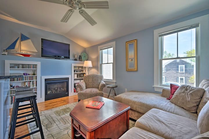 'Captain's Quarters' P-Town Apt w/ Ocean Views!