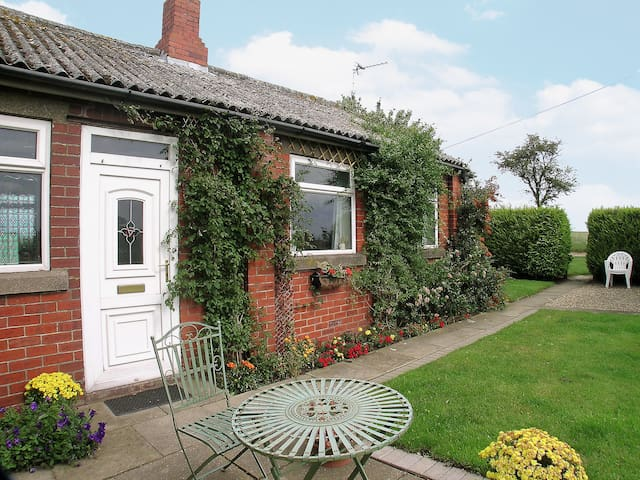 Searchlight Cottage (W41051)