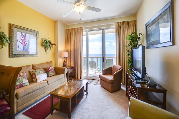 Cozy 11th-floor condo w/ unparalleled Gulf front views! Two tropical pools & gym