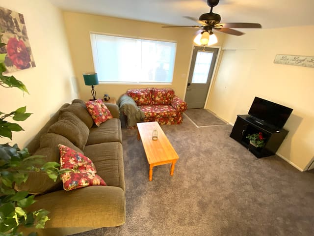 CL Full Kitchen Free Parking 30-mins to ORD