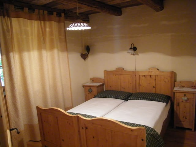 Room Botton d'oro | B&B Gian - Stefani - Bed & Breakfast