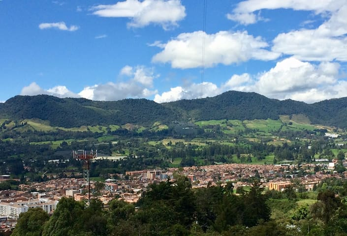 Tranquilidad, aire puro,montañas y bellos paisajes