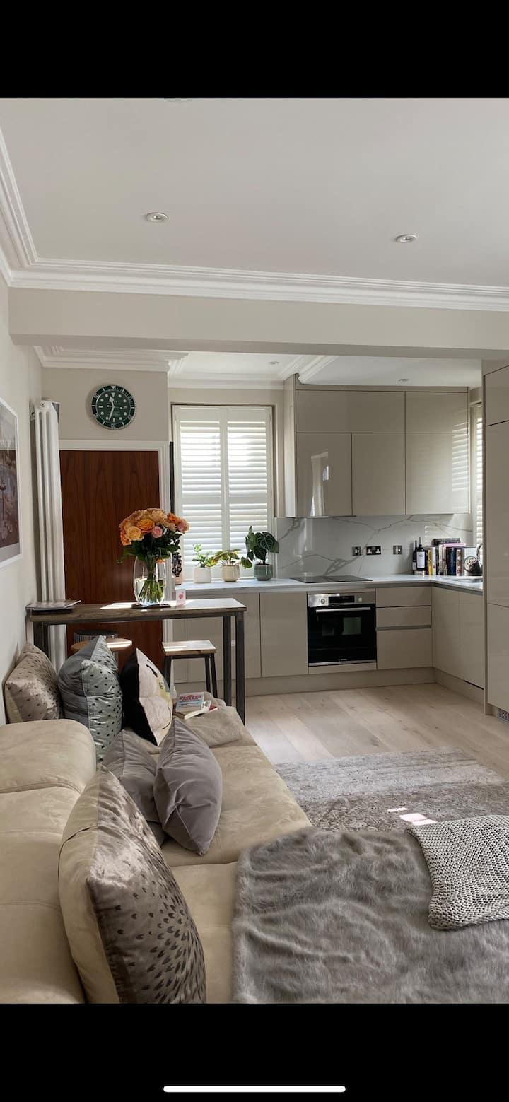 Beautiful modern 1 bed flat heart of Fulham, LDN.
