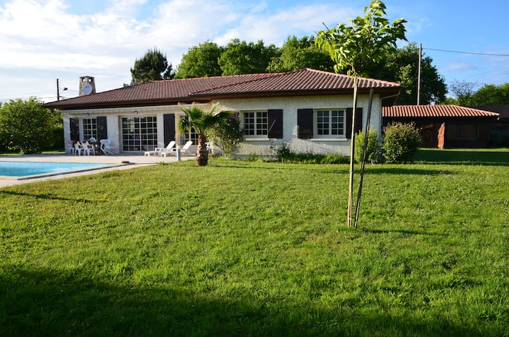 PINADA - Family house with swimming pool