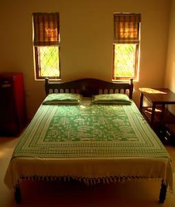 Guest House in Candolim near beach - Candolim