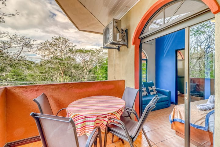 Inviting villas with A/C, shared pool, and great location -walk to the beach