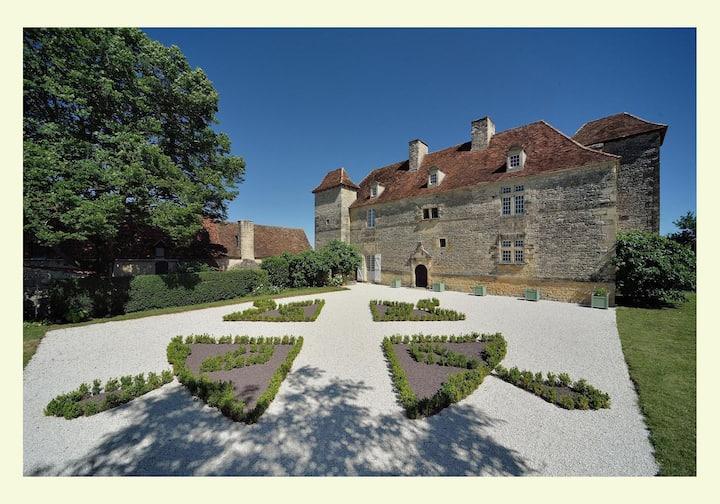 Suite seigneuriale au Château de Lantis