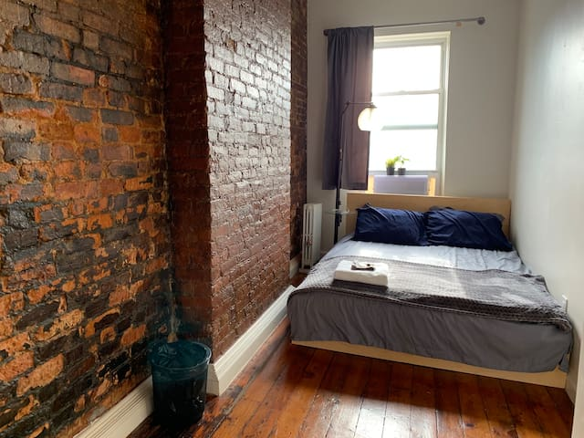A+ Location - Cozy Brooklyn Room with Great Access