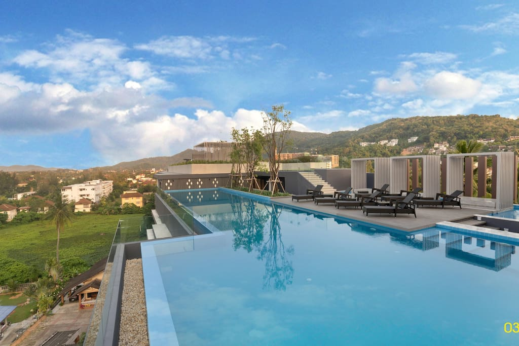 A huge pool with a view of mountains