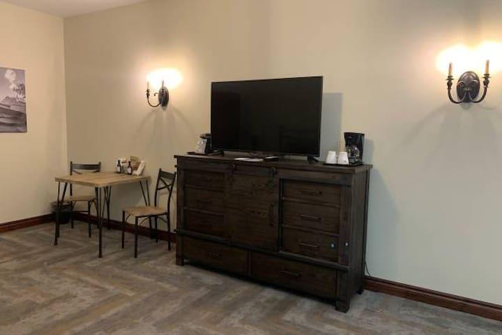 Denny Room